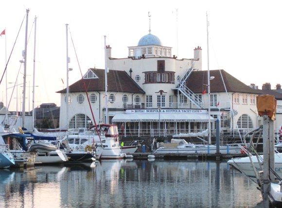 Lowestoft-Yacht Club